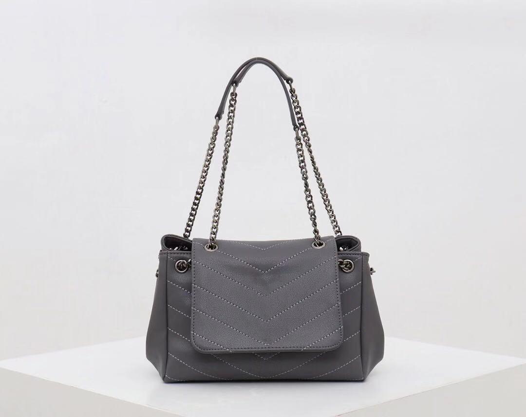 2020 Fashion simple women shoulder bag versatile and practical appearance level high designer handbags factory direct