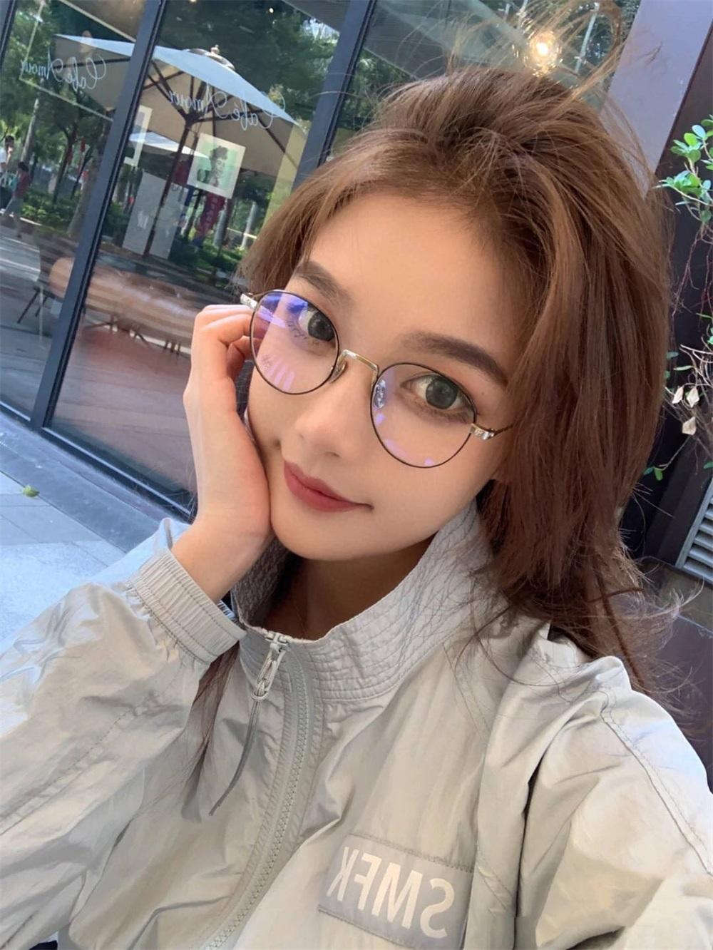 High Quality Round Plain Clear Glasses Frame Ultra Light Metal Decoration Transparent Women Eyewear Fake Glasses Frames