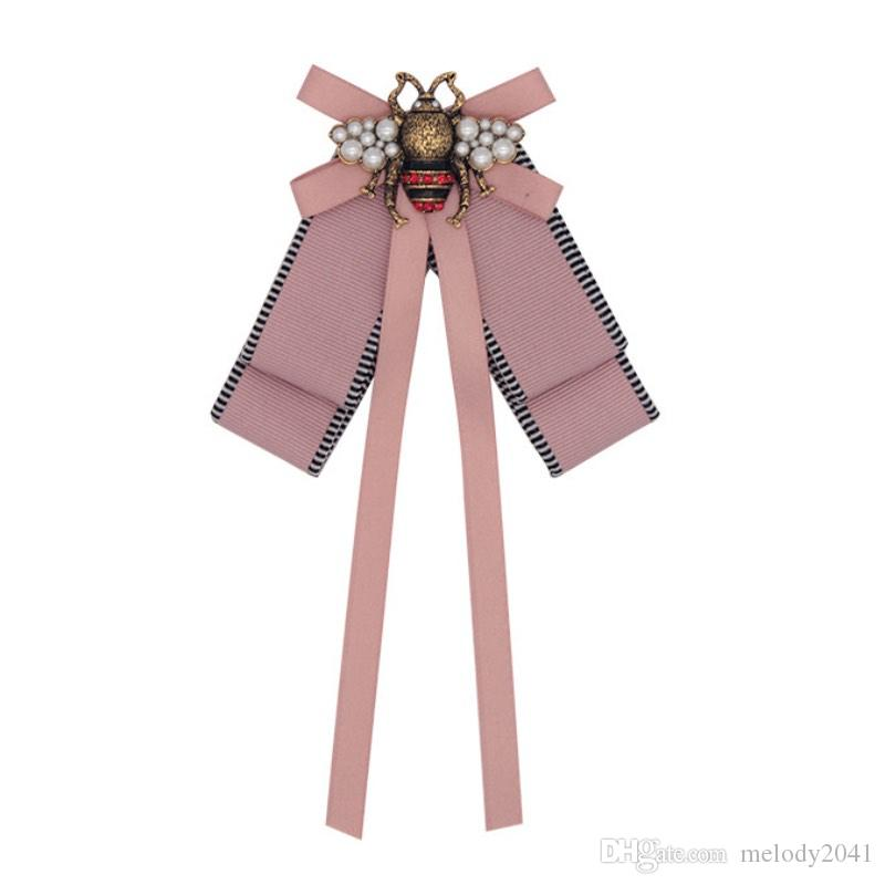 Fashion Designer Brooches Retro High Grade Bronze Insect Brooch Alloy Bee Fabric Pins Women Jewelry Pink Wholesale