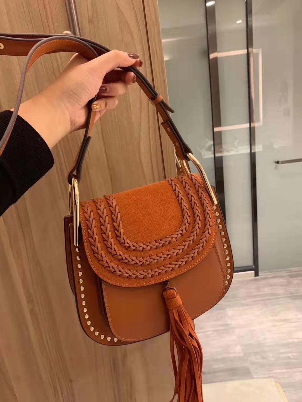 Крючком ysiykiy 2021 заклепки роскошный мессенджер C замшевые Львомы Freeship Bag Bag Tassel Crossbody дизайнерская сумка QULO CLASSIC FAS DBBIK