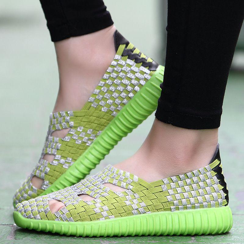 Hot Spring confortável oco Out respirável Sports estilo coreano executando sapatos femininos sapatos casuais Moda Mão-de Malha Mulheres