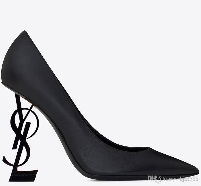 Nuevos zapatos de diseñador sexy Mujer Verano Hebilla Correa Remache Sandalias Zapatos de tacón alto Punta puntiaguda Moda de moda Único Zapatos de tacón alto