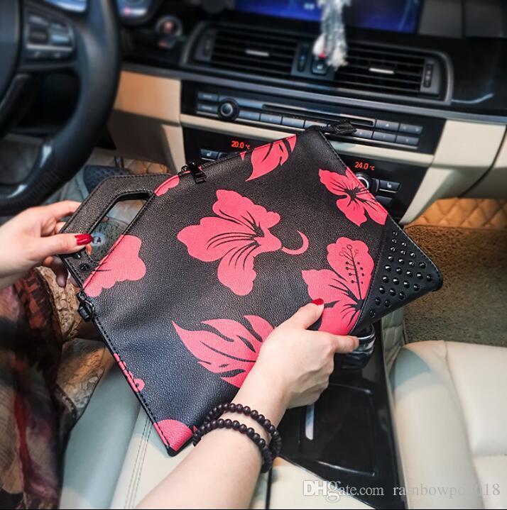 Factory wholesale brand men handbag rivet punk hand bag street fashion printed men and women envelopes fashion leather shoulder bag