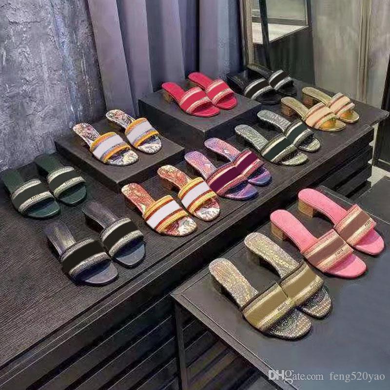 la moda a medio talón zapatillas de playa de la mujer de lujo de verano del alfabeto zapatillas de diseño sandalias ásperas tela de punto bordado mujer zapatos 35-42