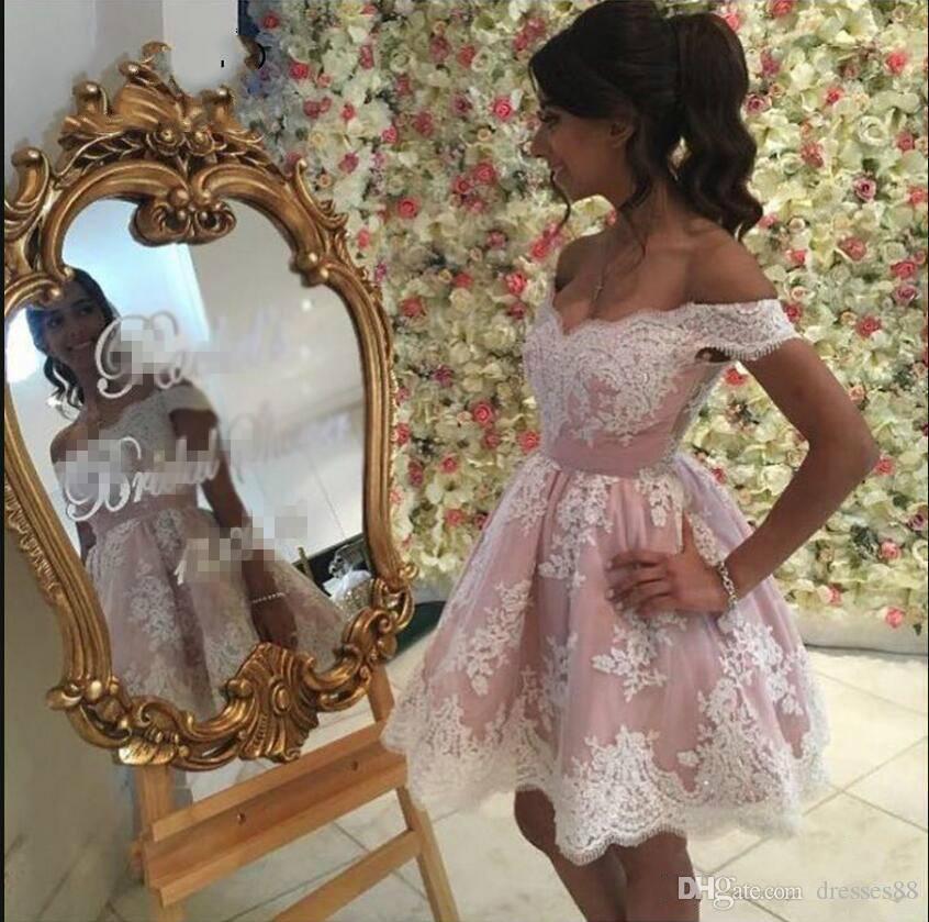2019 Neue Ankunft Arabisch Kurze Cocktailkleider Elegante Spitze Appliziert Schulterfrei Ballkleid Homecoming Abendkleider Nach Maß