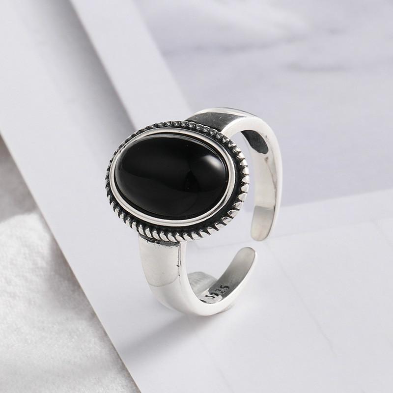 새로운 도착 여성 유럽 스타일 섬세한 타원형 스톤 여성용 반지 보석 925 개 스털링 실버 블랙 마노 반지를