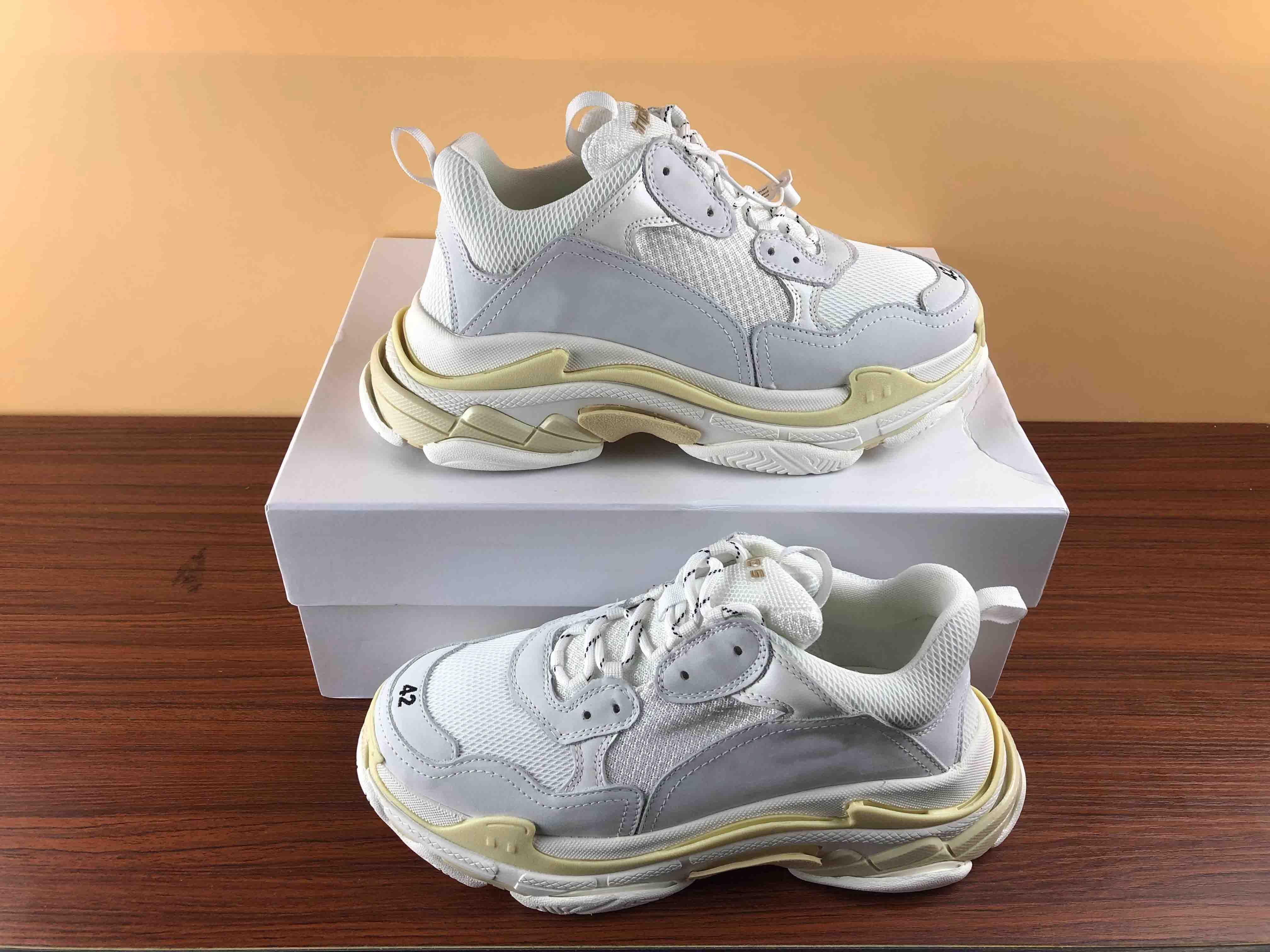 Designer Chaussures meilleur Multi De Luxe Triple S Designer Sneaker pour homme Faible Nouvelle Arrivée Semelles De Combinaison Bottes Femmes Casual ace Chaussures