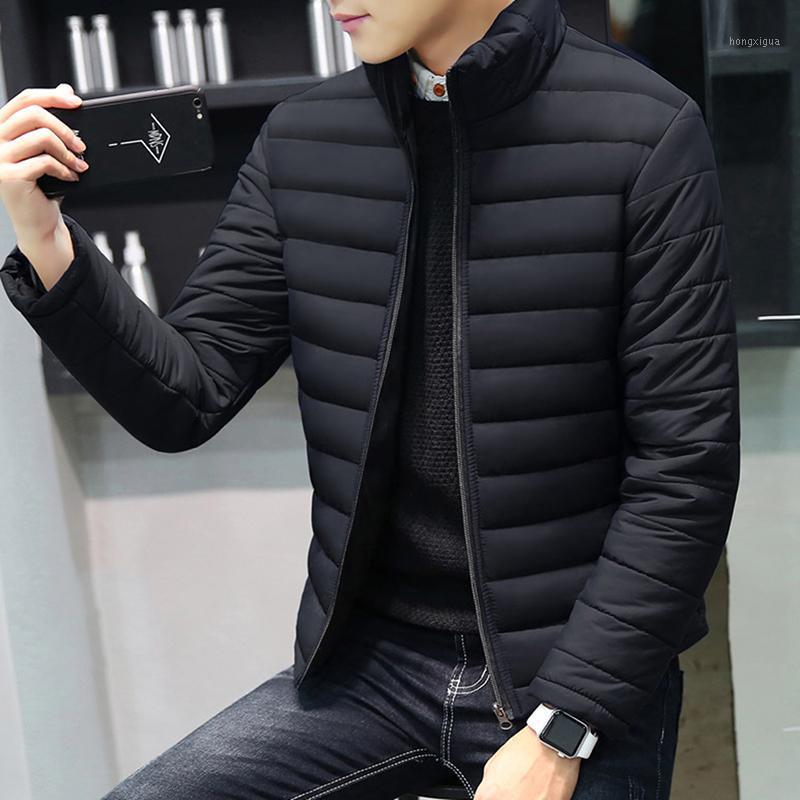 Capa del invierno de los hombres de corto abrigos esquimales Prendas de vestir exteriores delgada ocasional del collar del soporte de la cremallera de los hombres Parkas algodón acolchado Jacekt más el tamaño de Coats1