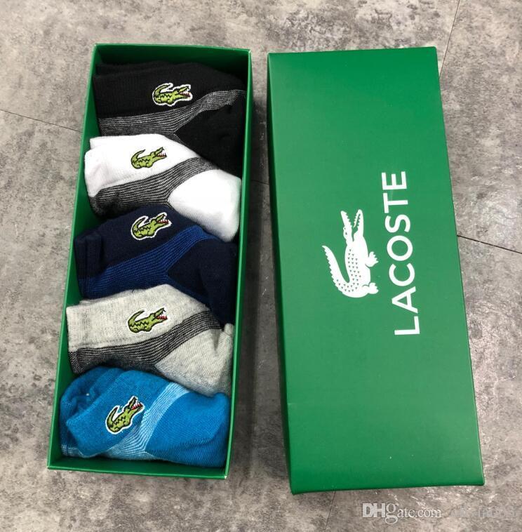 Kutu ile Ünlü timsah Çorap Yeni Unisex Pamuk Spor Çorap Yaz Sonbahar Donatılmış Marka Mektup erkekler ve kadınlar Tasarım Görünmez Tekne Çorap A34