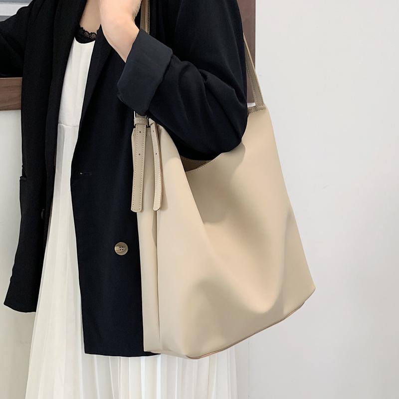 Grand Casual Capacité Seaux Sac mode Double Bracelet Femmes sacs à main de luxe en cuir souple Pu Messenger Bag Lady Chic fourre-tout Porte-monnaie