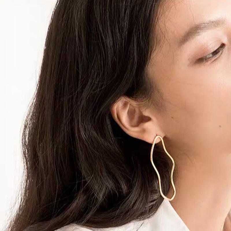 Мода Геометрической серьги для гиперболы Женщин Позолоченных ювелирных изделий Гладкого Нерегулярной серьга стержня ювелирных изделия для партии подарка
