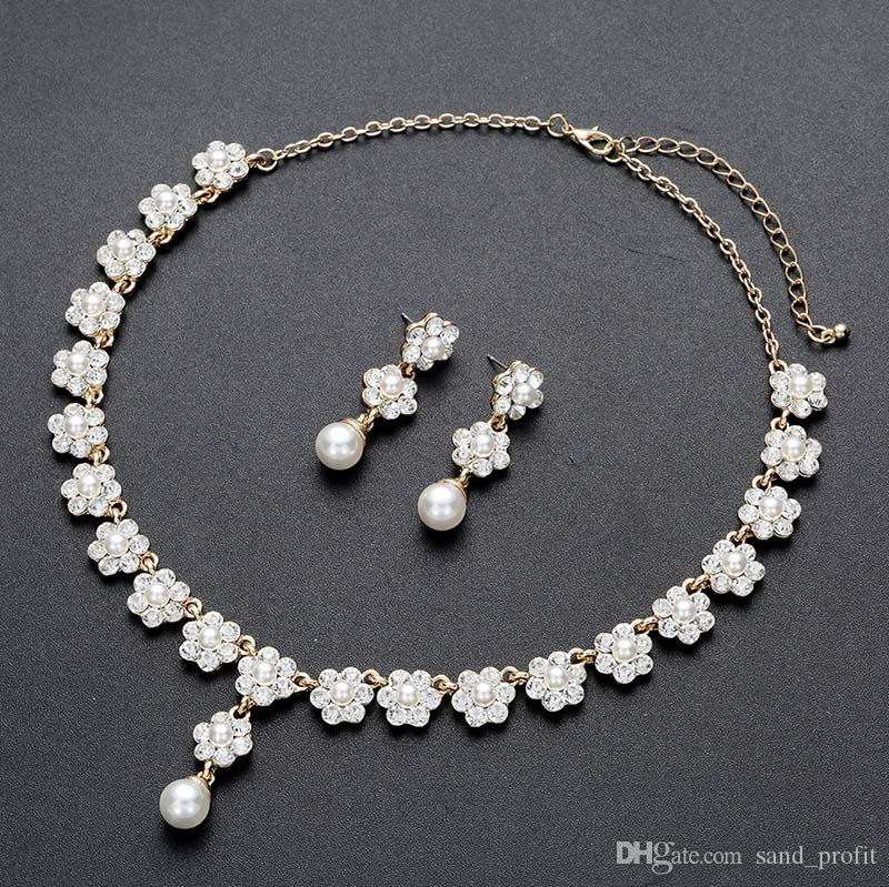 Wholesale Bling Bling Flower Crystal Chain Necklace Luxury Diamond