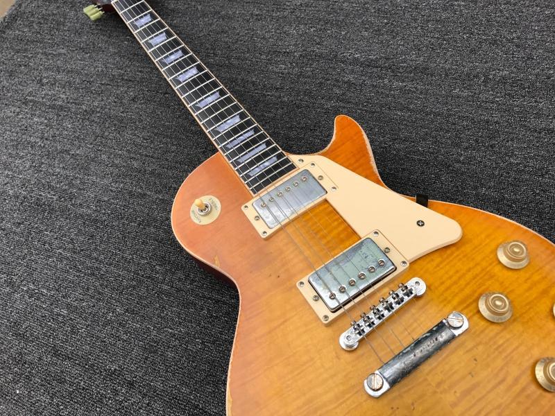 재고 있음 꿀 컬러 고사 일렉트릭 기타 마호가니 바디 로즈 우드 핑거 보드 타이거 화염 메이플 레드 돌아 가기 오래된 기타