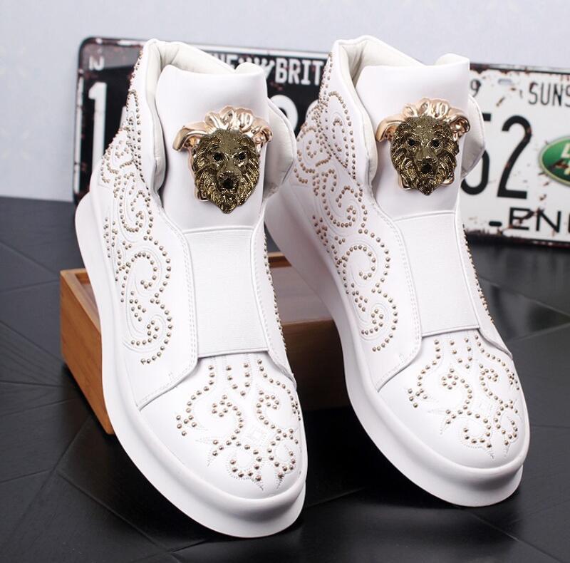 جديد أحذية عالية الجودة للرجال عالية أعلى بيضاء صغيرة ، أحذية عارضة سميكة ورخيصة برشام ، متعطل أحذية الكاحل العلوي للرجال ، أحذية رجالية عارضة W26