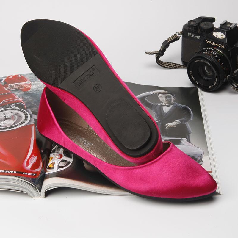 Chaussures femme satin été Pointu Slip Toe On Mocassins respirante Appartement confortable Spring Femmes Pointu Chaussures Shallow simples plat