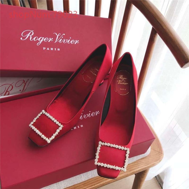 2019 heißen Verkauf Luxus neue Designer Weisefrauensandelholze hochwertiges echte Leder-Sandalen mit hohen Absätzen Kätzchen Bankett Partykleid Größe 35-39