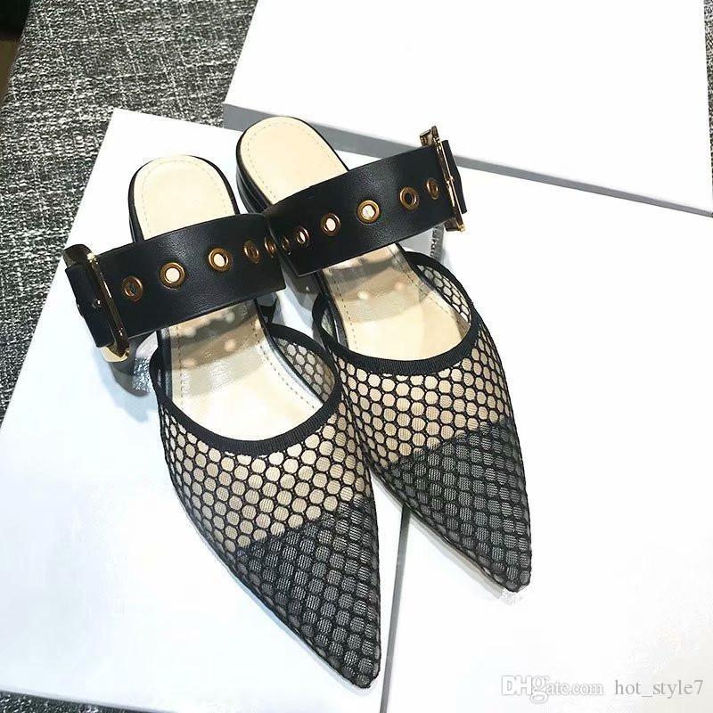 Pantofole piatte da donna a punta nuova stile estate Pantofole piatte da donna in metallo fibbia Pantofole da esterno a tacco basso Lady Sexy stile brand scarpe bocca superficiale