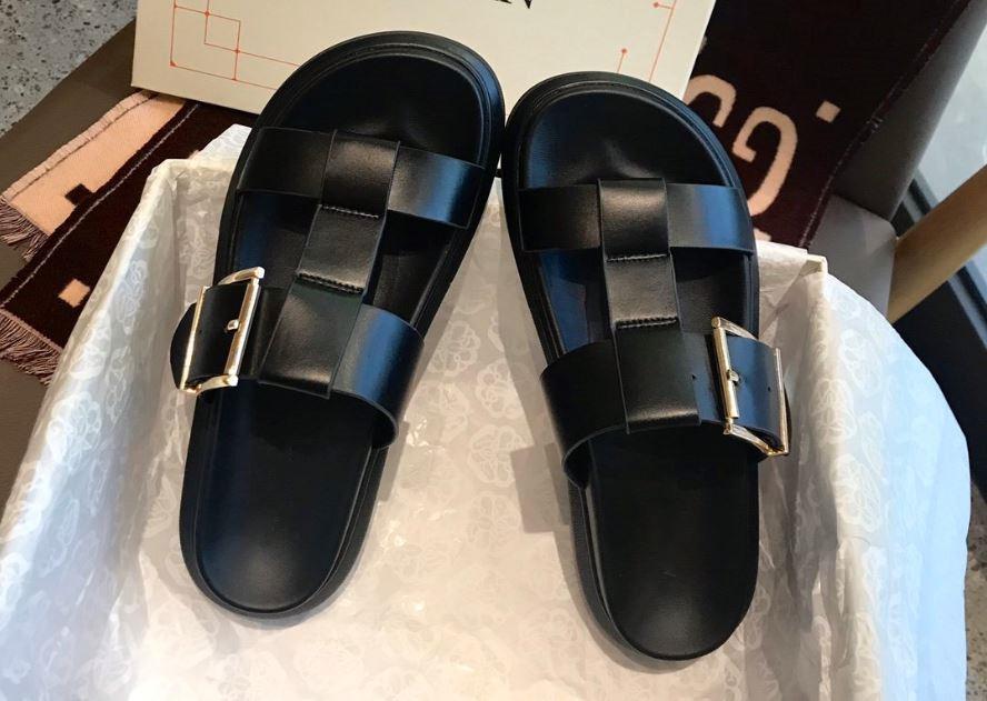 Tirón de la manera de la venta caliente nueva llegada de las mujeres del verano los fracasos de los calzados informales blanda antideslizante suela gruesa zapatillas de playa