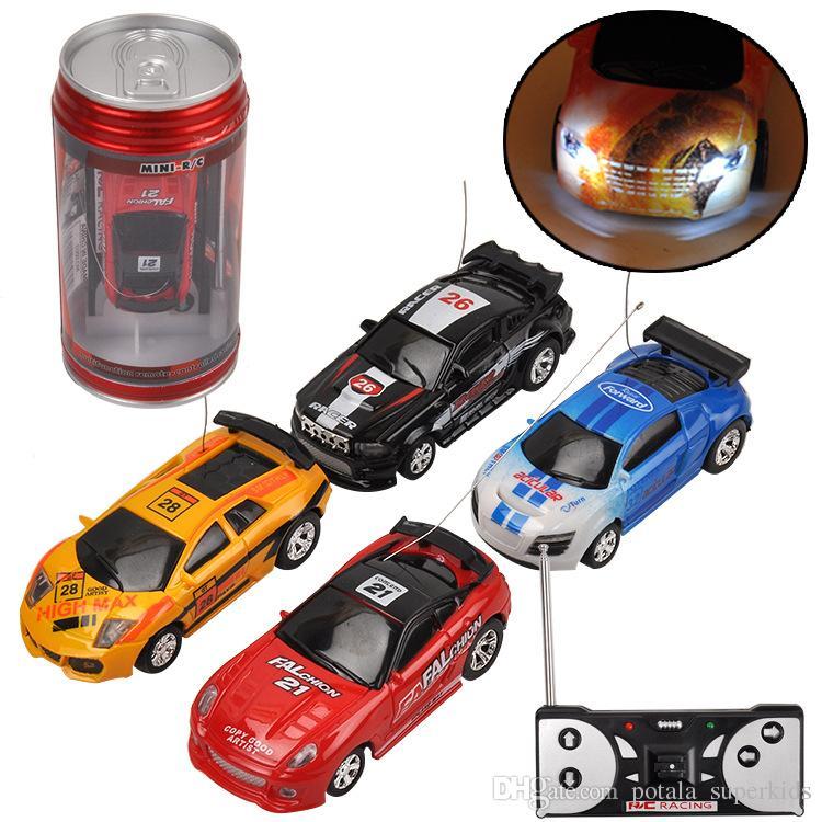 جهاز التحكم عن بعد سيارات الكوك يمكن سباق السيارات الانجراف سيارة 1:64 AMG 4 ترددات 20KM / H الروبوتات brinquedos لعب أطفال الأطفال روبوت الكهربائية توربو