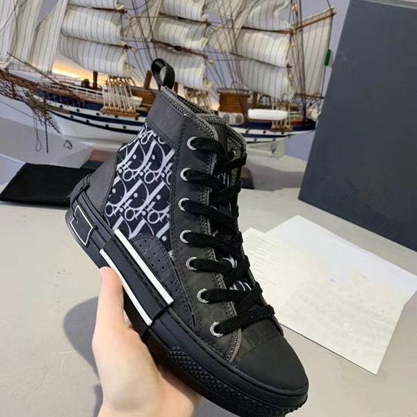 2020 des femmes des hommes Chaussures en cuir espadrille Chaussures Casual Lace Up Designer Comfort Pretty Girl Sneakers extrêmement xr02