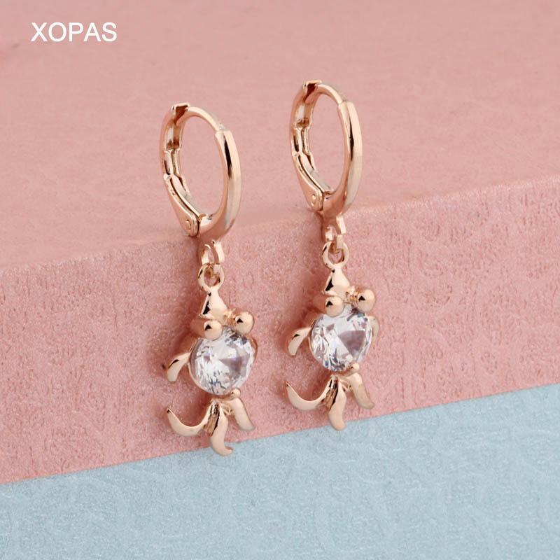 Neue Ankunfts-Art und Weise klassische geometrische Frauen 585 Rose Gold Farbe baumeln Ohrringe Kleine Fisch-Form-Design Weibliche koreanische Schmuck