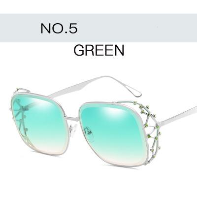 Großhandels-Steampunk-Platz Sonnenbrillen für Frauen Marke Designer Strass Kristallkrone große Gläser Female Fashion Shades Brillen Lady