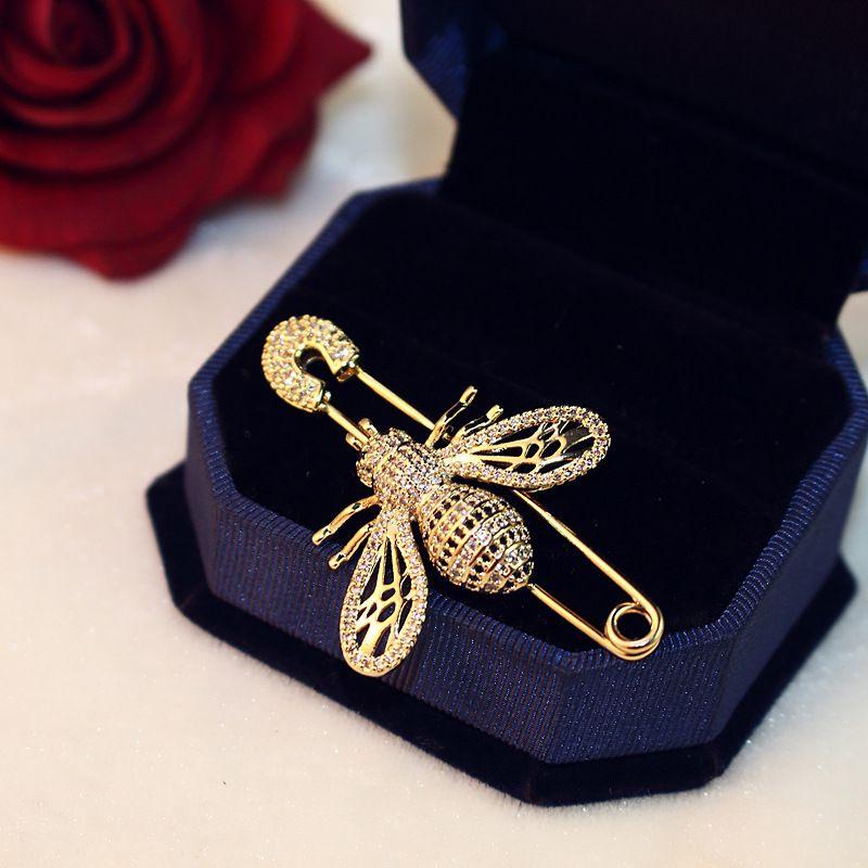 2020 الاتجاه المتأنق 18 كيلو مطلية بالذهب النحل بروش مزاجه السيدات الفاخرة الزركون بروش الأزياء عارضة دبوس وشاح مشبك هدية مجوهرات
