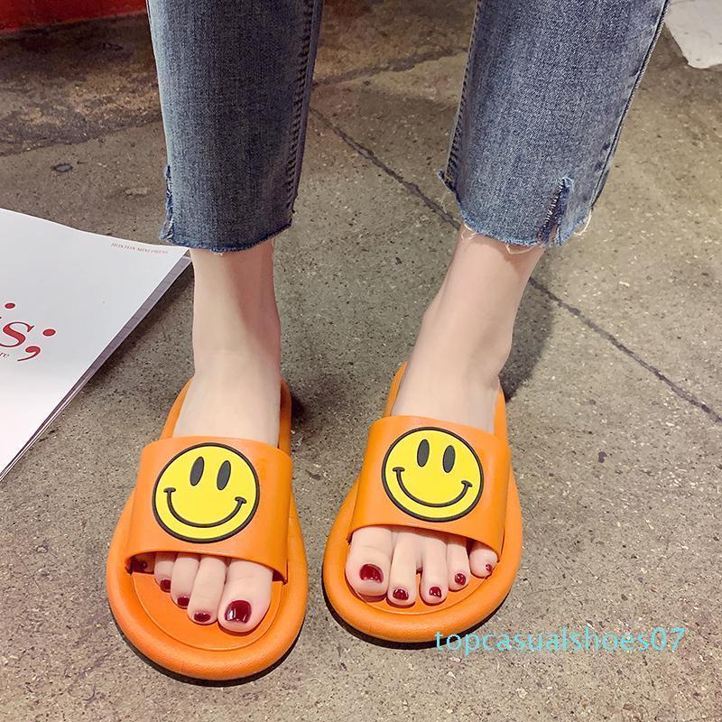 Chinelos Mulheres Verão sapatos baixos Pantofle Luxo Slides Platform 2020 Plano Designer Massagem Tecido Moda Rubber PU chinelos T07