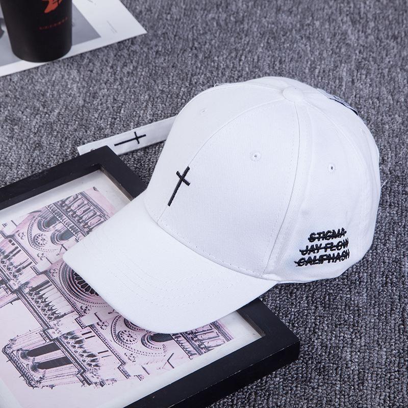 2020 весной и летом крест вышивка бейсболки мужчины и женщины на открытом воздухе случайные шляпы моды хип-хоп шляпа спортивная пара шляпу irVWR