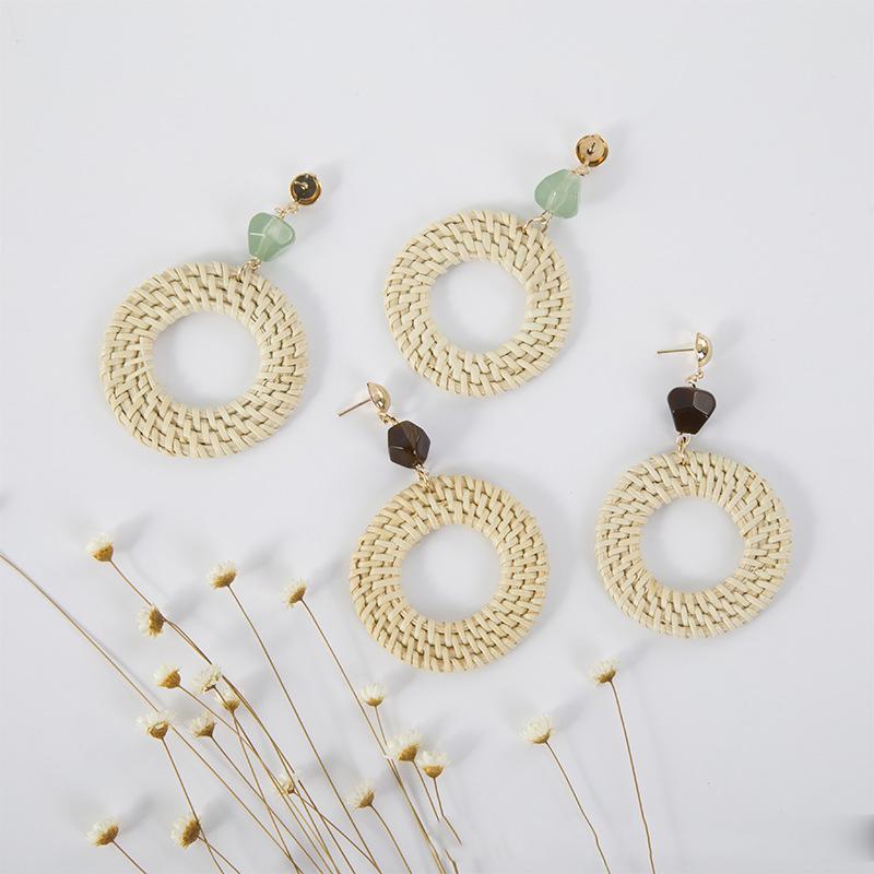 4 couleurs en rotin bois tissés à la main Boucles d'oreilles Weaving 2020 New Round Oreille Pierre Stud exotiques Boucles d'oreilles style national