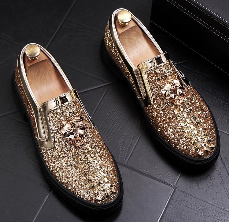Européen de la station des hommes de la chaussure à la mode homme rivet brillant tranche amour chaussure couverture pied pédale loisirs chaussures paresseux shoe38-43 a17
