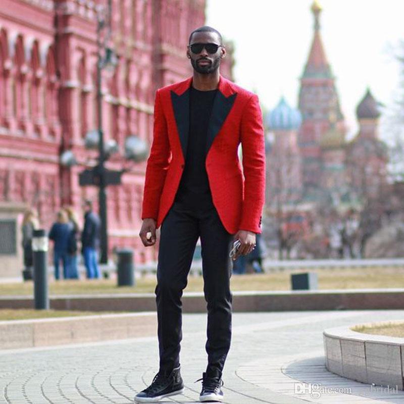 Rote Jacke Schwarz-Revers-formale Klagen der Männer Anzug für Hochzeit 2 Stück Bräutigam Anzüge Slim Fit Herren Smoking Hochzeitsanzüge Smoking