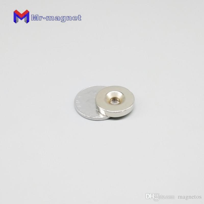 200pcs Ronde Diamètre 20MM * 4MM trou 5MM aimants NdFeB Rare Earth Néodyme fraisée magnétique 20 * 4 * 5 mm aimant puissant 20x4x5