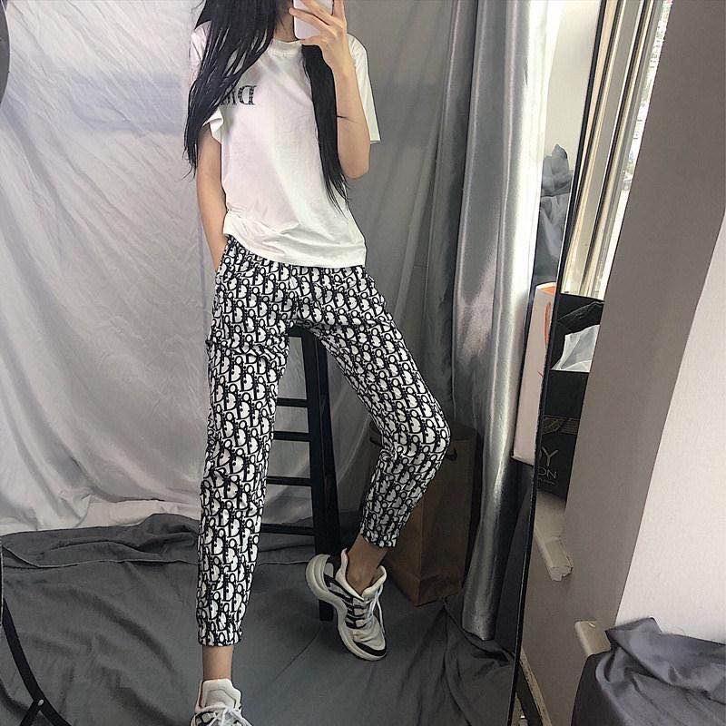Été célébrité web main rapide avec le même style de pantalon de sport étudiantes version coréenne neuf points lâche mince société de loisirs WOM