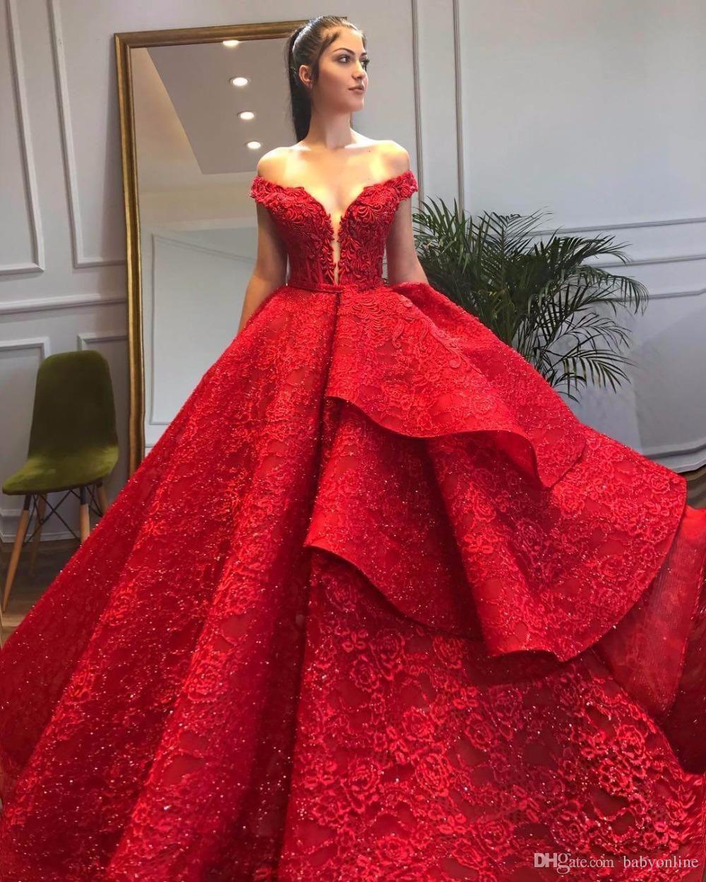 Elegante Vermelho Quinceanera Vestidos Layer Ruffles Fora do Ombro Lace Appliques Lantejoulas Formal Prom Pagenat Quinceanera Vestidos