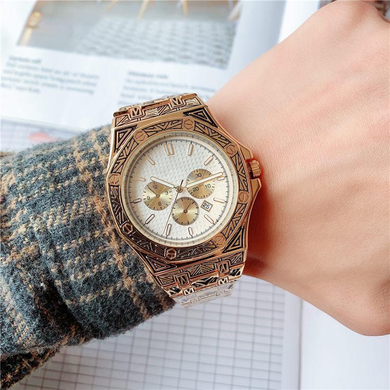 Three-needle engraved quartz watch 42MM in diameter