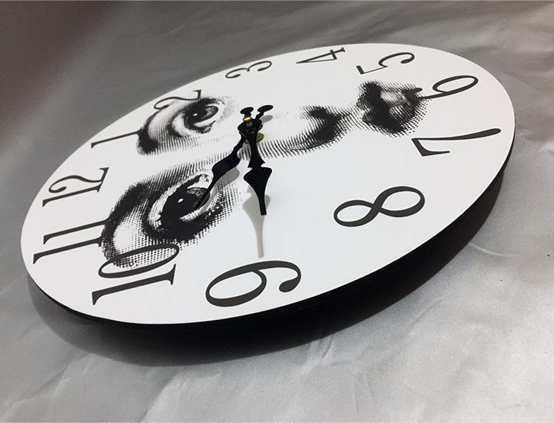 $ Retro Round Wooden Clock Lina Wall Decorative Electronic Hanging Clock White and Black Home Bar Hotel Adornment Bracket Clock