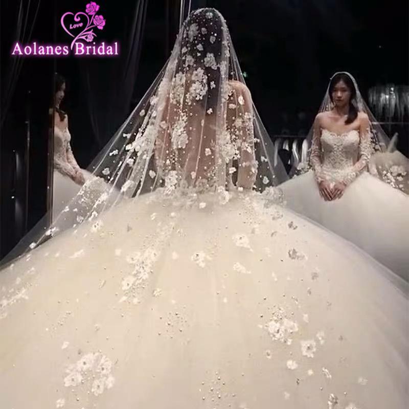 Incrível Moda Long casamento Véus Lace Com 3D Comb Flores Pérolas incrível Wow Bridal Veil com cristais Acessórios para casamentos