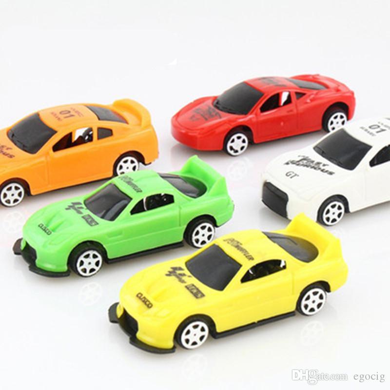 Çocuk Araba Oyuncak Modeli Hediye Mini Araba Yaratıcı Sevimli Q Baskı Sürgülü Araba Modeli Yıl Oyuncaklar Erkek Çocuklar için Doğum Günü Noel hediyeler