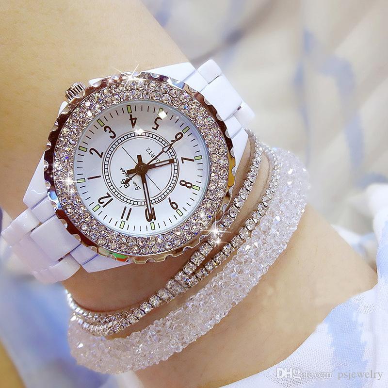 Kadınlar Rhinestone Saat Lady Diamond Stone Elbise İzle Siyah Beyaz Seramik Büyük Dial Bilezik Kol bayanlar Kristal İzle