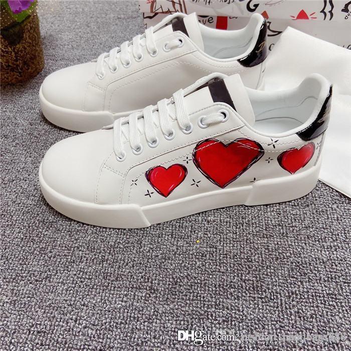 Les hommes et les femmes petites chaussures blanches importées de couleur de mode tissu de soie de haute qualité avec des vêtements - chaussures semelle extérieure résistant avec emballage complet