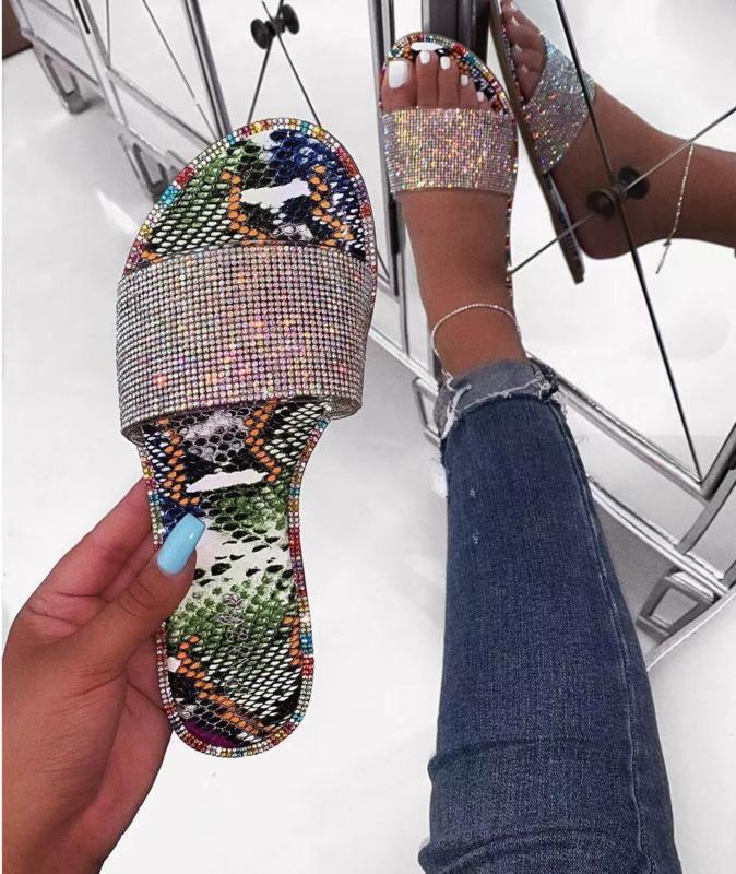 Diamante Bling Chinelos Calçados Femininos 2020 Praia Chinelos Verão deslizamento na Sandálias Fora dos falhanços de luxo Designers N9071