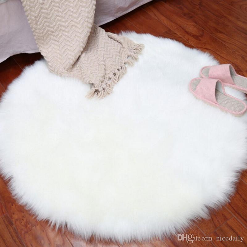 En peluche en peau de mouton Throw Tapis en fausse fourrure élégant style chic confortable Shaggy Tapis de sol Petits tapis Accueil Décorateur Dropshipping