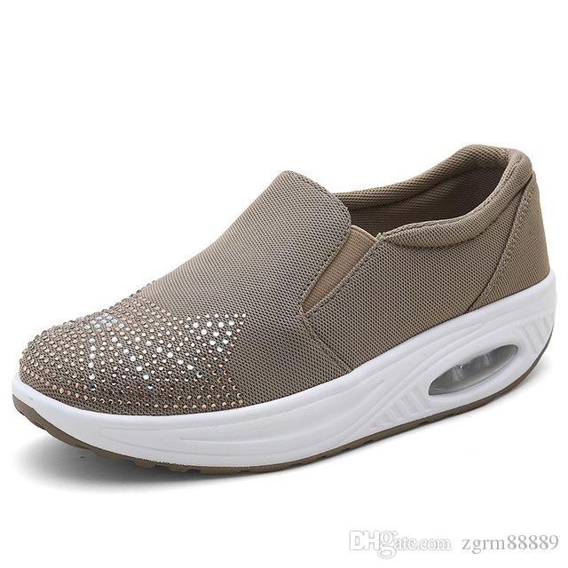 Mulheres Sneakers Plataforma Cat projeto Ups forma bonita de balanço Shoes Toe Rodada Meninas Wedge Sport Shoes Ladies Diamante Calçado