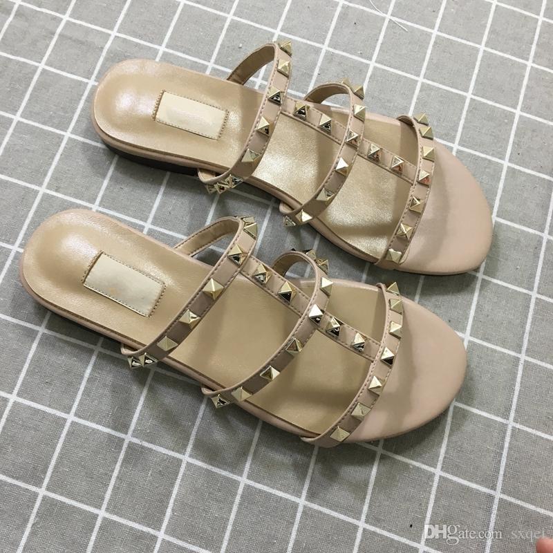 Designer de Luxo Mulheres Chinelos New Arrival Hot Sale Rebites Estilo Moda Estilo clássico Qualidade Sandália Tamanho 35-41