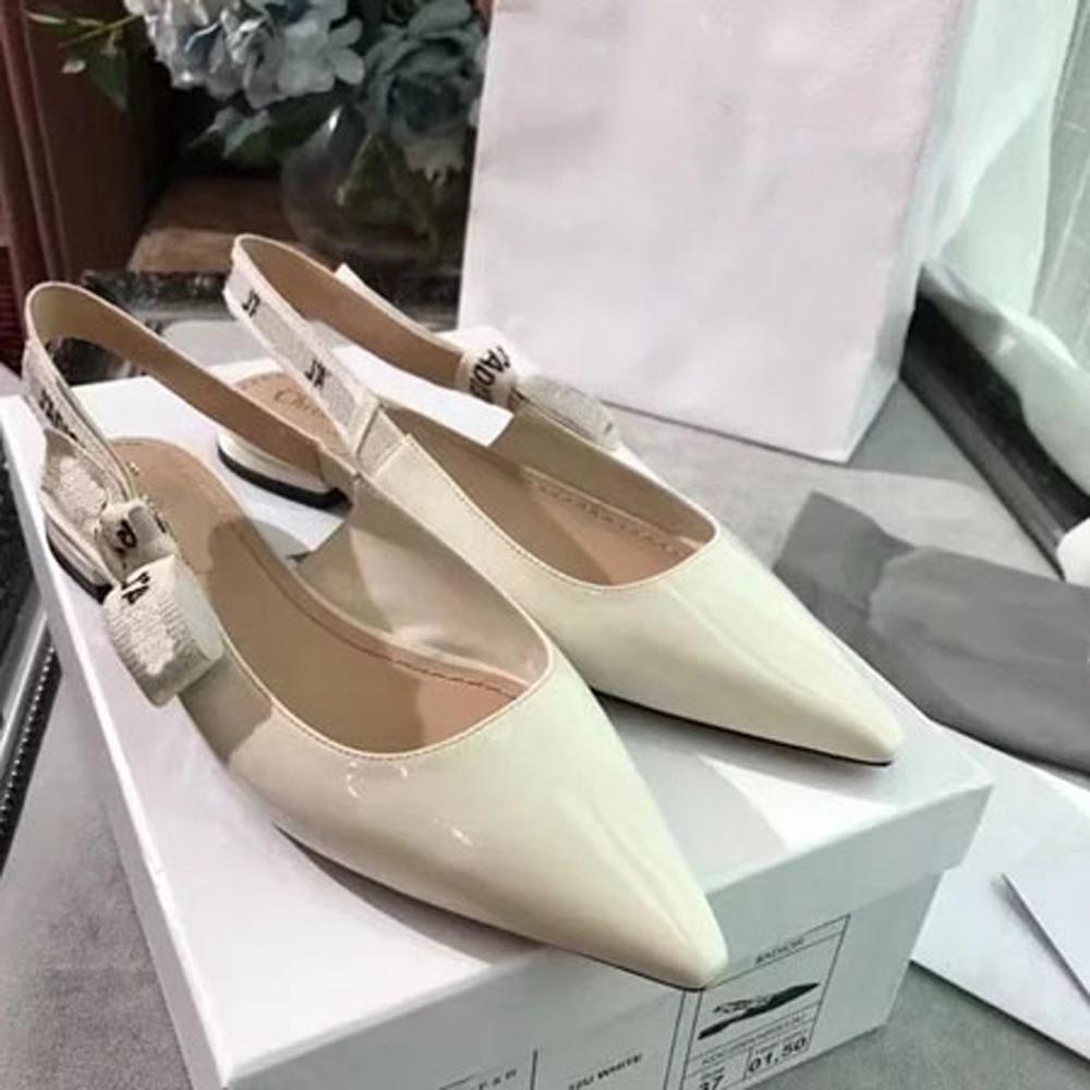 Kadın Sandalet Terlik Ayakkabı Terlik Yüksek Kalite Sandalet Terlik Rahat Ayakkabılar Eğitmenler Düz Ayakkabı Slayt AB: 35-40 Kutusu M200733