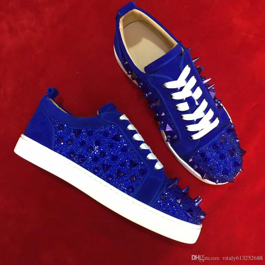 ربط الحذاء حتى أسفل أحمر مع المسامير المسامير مريحة المنخفضة قطع المشي اللباس حذاء زوجين أسلوب أزياء شعبية الأزرق الداكن واسعة 35-47 حذاء