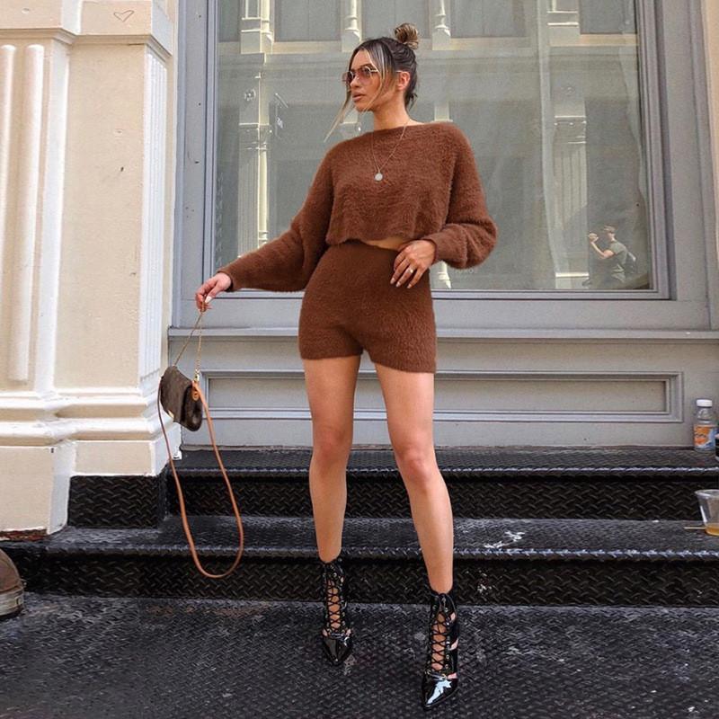 Automne Femmes Ensemble 2 pièces Casual solide O cou Fluffy Deux manches longues Shorts Piece New Street Style femmes Vêtements