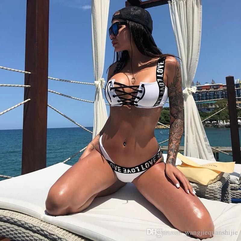 Sexy Bikini a vita alta 2019 Nuova stampa Costumi da bagno Donna Costume da bagno Spalla con balze Costumi da bagno Abbigliamento da spiaggia Push Up Biquini Donna