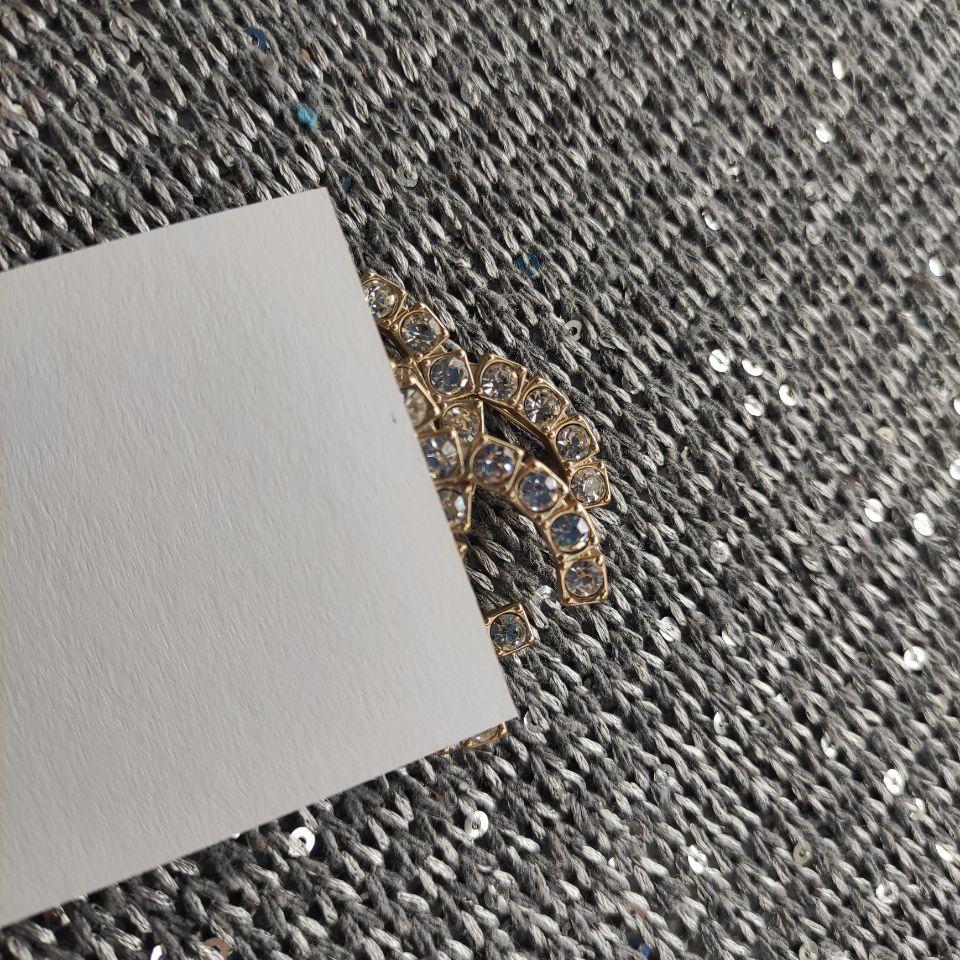 Yeni Moda metal broş parlayan elmas taklidi moda c broş aksesuarları Pim ile VIP kağıt kartı ve toz torbası